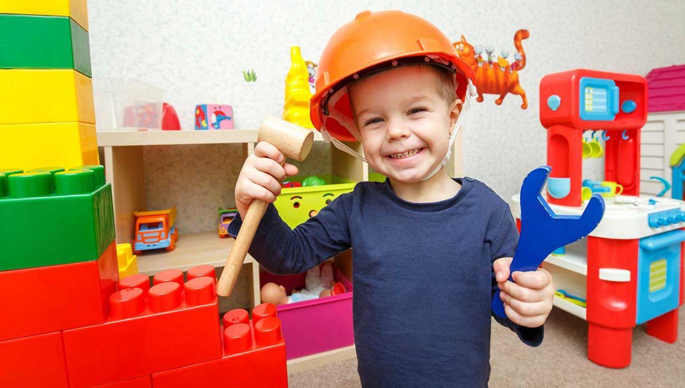 Chłopcy i dziewczynki, którzy mieli problemy z koncentracją, osiągali w wieku dorosłym niższe zarobki (fot. Shutterstock/Vanoa2)