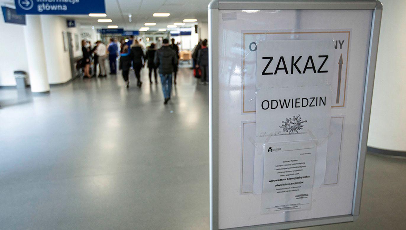 W sumie we wrocławskich placówkach wyleczono z COVID-19 cztery osoby (fot. PAP/Aleksander Koźmiński)