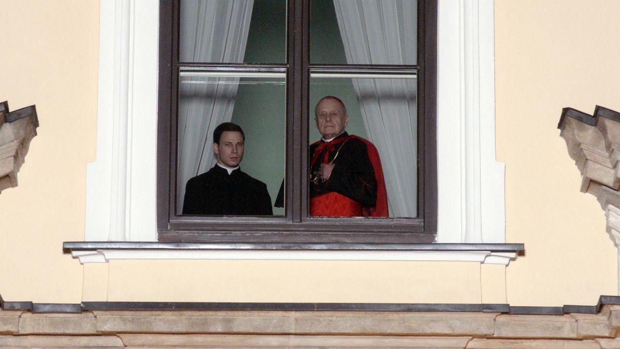 Spektakl opowiada o drodze Karola Wojtyły do kapłaństwa (fot. A. Ciołek/TVP)