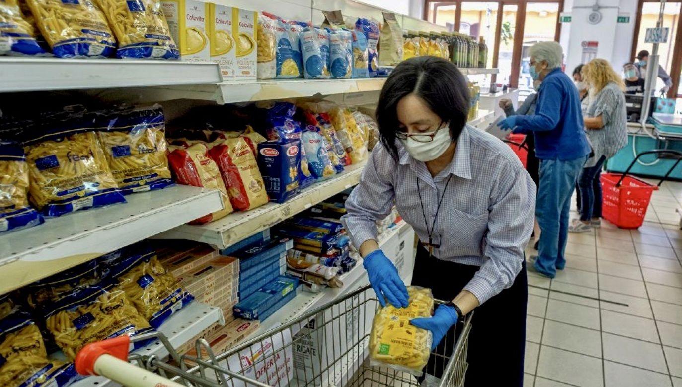Akcja dla rodzin i samotnych matek z dziećmi, których sytuacja finansowa pogorszyła się w konsekwencji pandemii koronawirusa (fot. Stefano Montesi/Corbis/ Getty Images, zdjęcie ilustracyjne)