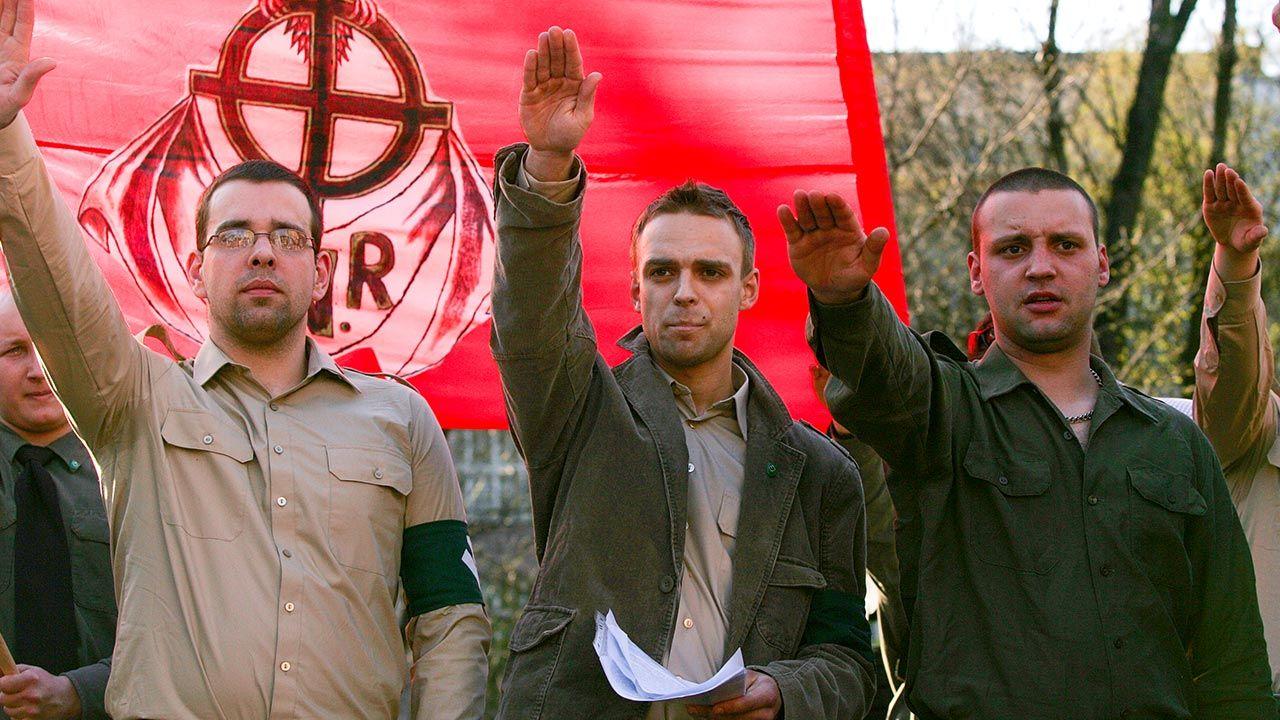Tomasz Greniuch (w środku) na demonstracji ONR (fot. Forum/Bartosz Siedlik)