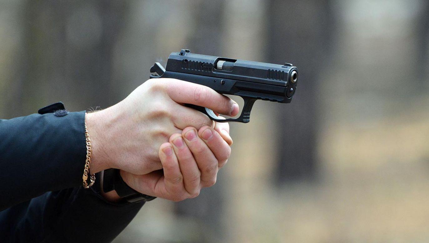 Sprawca broń przywiózł z Donbasu (fot. Shutterstock/Sergey Kamshylin)