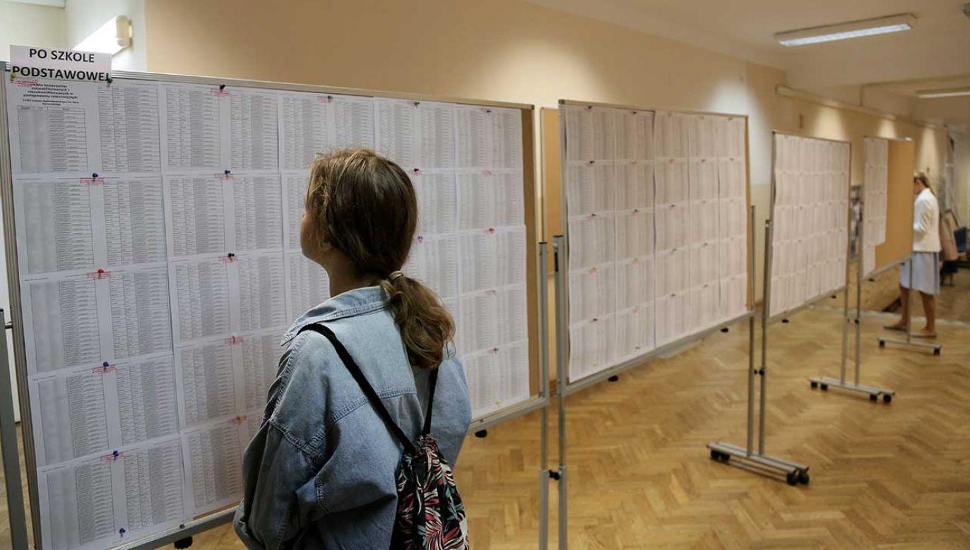 W ubiegłym roku na tym etapie rekrutacji dostało się 86 proc. uczniów (fot. PAP/Wojciech Olkuśnik)
