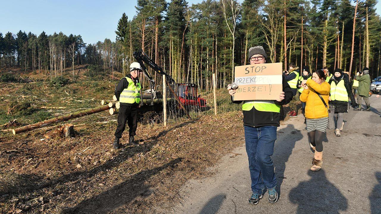 Ekspert: Bezpieczeństwo kraju nigdy nie może być w centrum konfliktu politycznego (fot. PAP/Marcin Gadomski)
