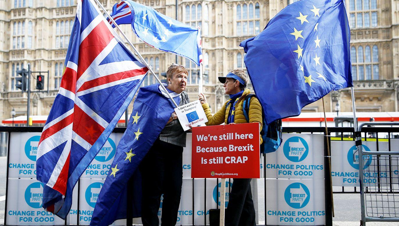 Porozumienie musi być jeszcze zawarte przez przywódców państw na szczycie UE, a następnie zatwierdzone przez Izbę Gmin i Parlament Europejski (fot. REUTERS/Henry Nicholls)
