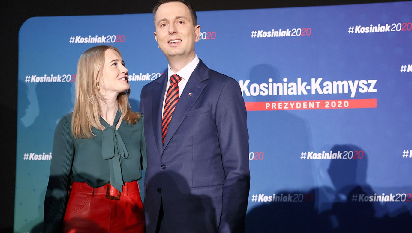 Prezes PSL, kandydat na prezydenta RP Władysław Kosiniak-Kamysz (P) wraz z żoną Pauliną Kosiniak-Kamysz (L) podczas spotkania z okazji Dnia Kobiet
