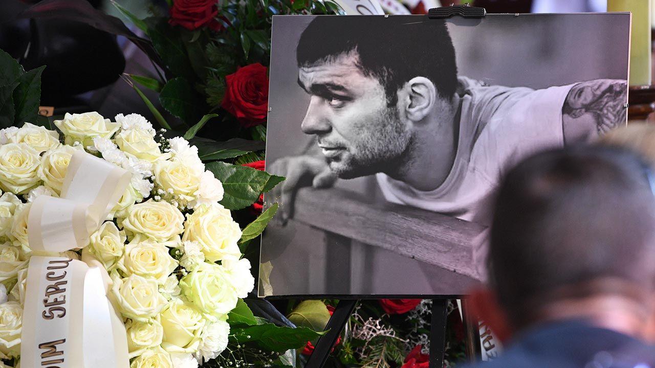 Zazwyczaj osoby planujące samobójstwo przed śmiercią starają się sprawiać wrażenie spokojnych i pogodnych (fot.  PAP/Darek Delmanowicz)