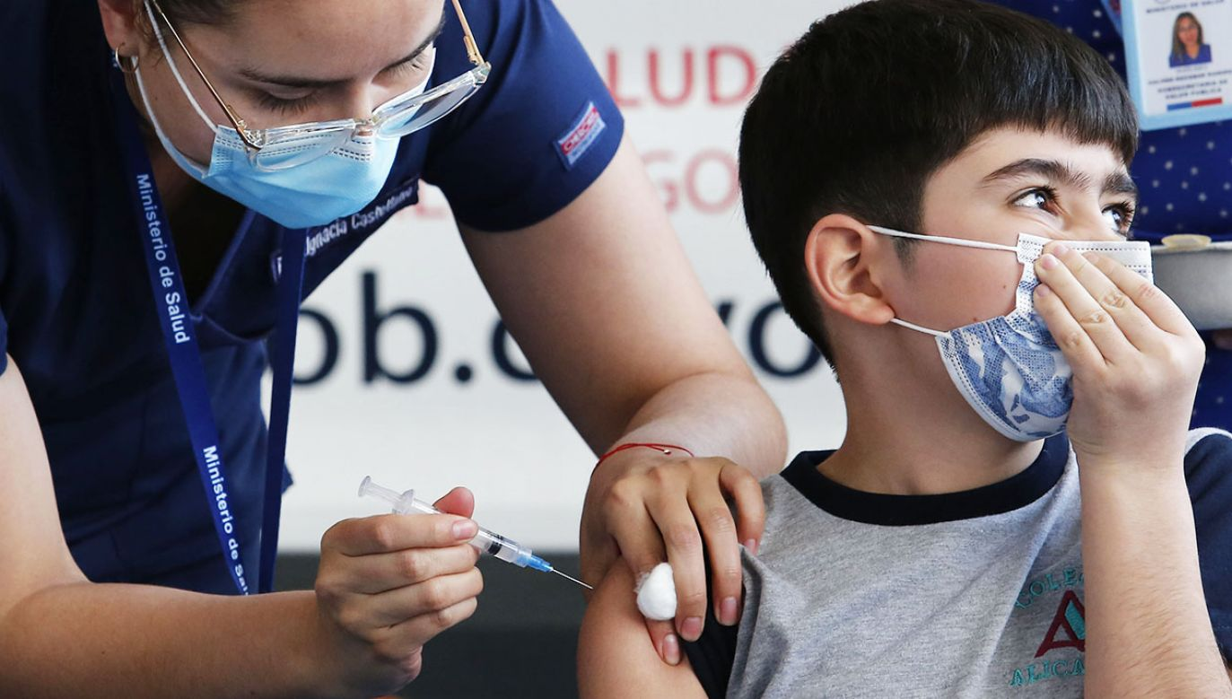 EMA sprawdzi wyniki badania klinicznego z udziałem dzieci (fot. Marcelo Hernandez/Getty Images)