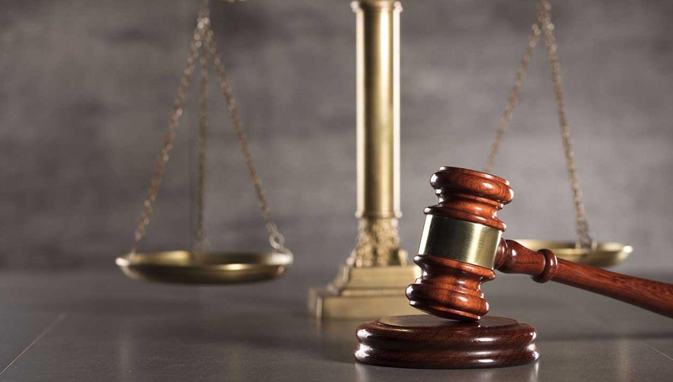 Jakubowi A. postawiono dwa zarzuty – zabójstwa ze szczególnym okrucieństwem oraz podżegania do udziału w zabójstwie (fot. Shutterstock/Zolnierek)