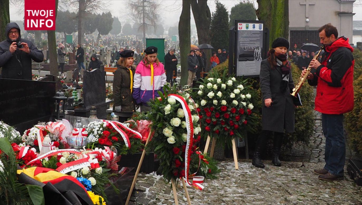Uroczystości odbyły się w Brzeszczach na cmentarzu komunalnym (fot. Twoje Info)