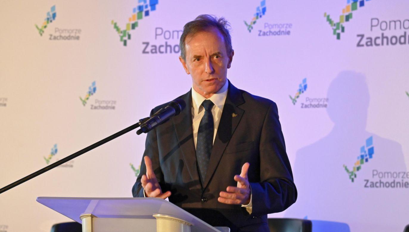 Marszałek Tomasz Grodzki podczas obrad Forum