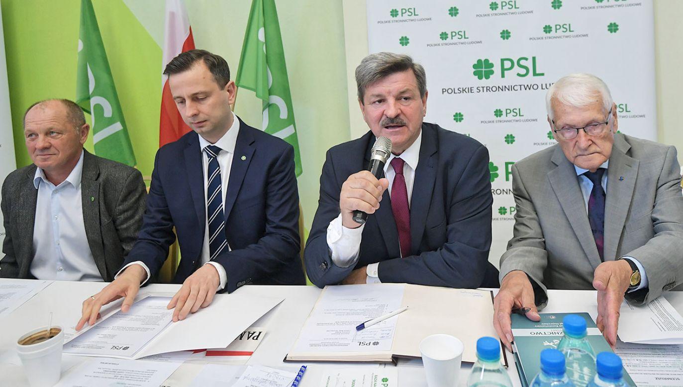 Ludowcy deklarują, że ich partia już prowadzi rozmowy z innymi podmiotami (fot. PAP/Marcin Obara)