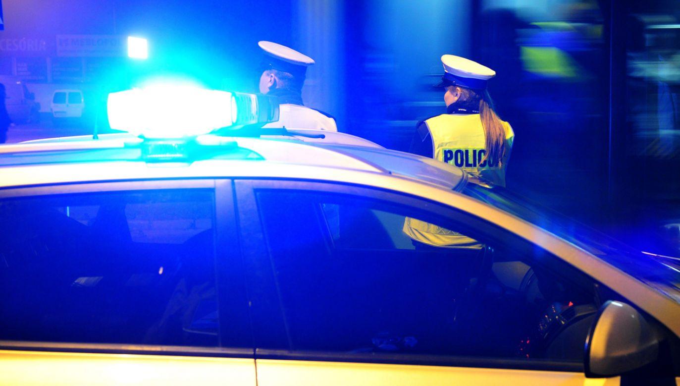 20-letnia kobieta została przewieziona do szpitala (fot. arch.PAP/ Marcin Bielecki)