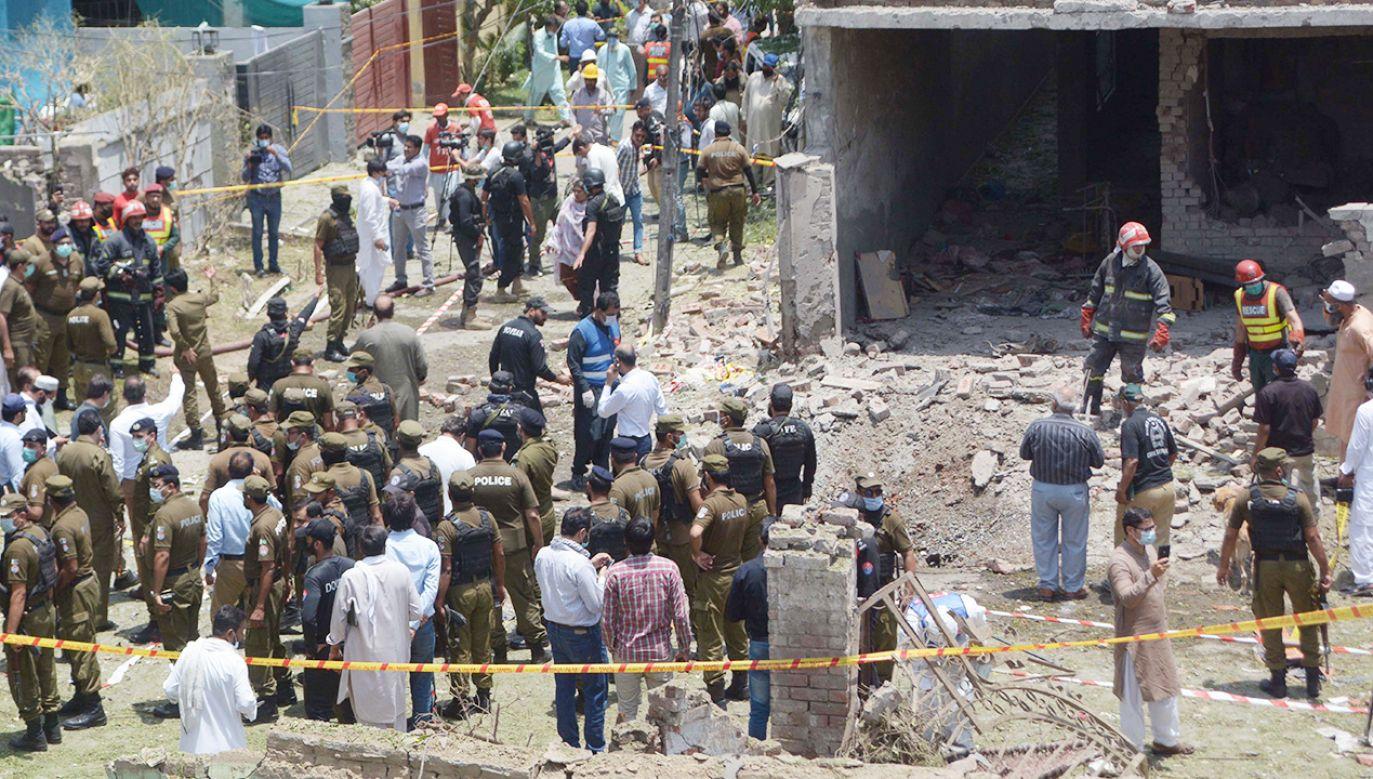 Eksplozja w dzielnicy mieszkalnej w Pakistanie (fot. PAP/EPA/RAHAT DAR)