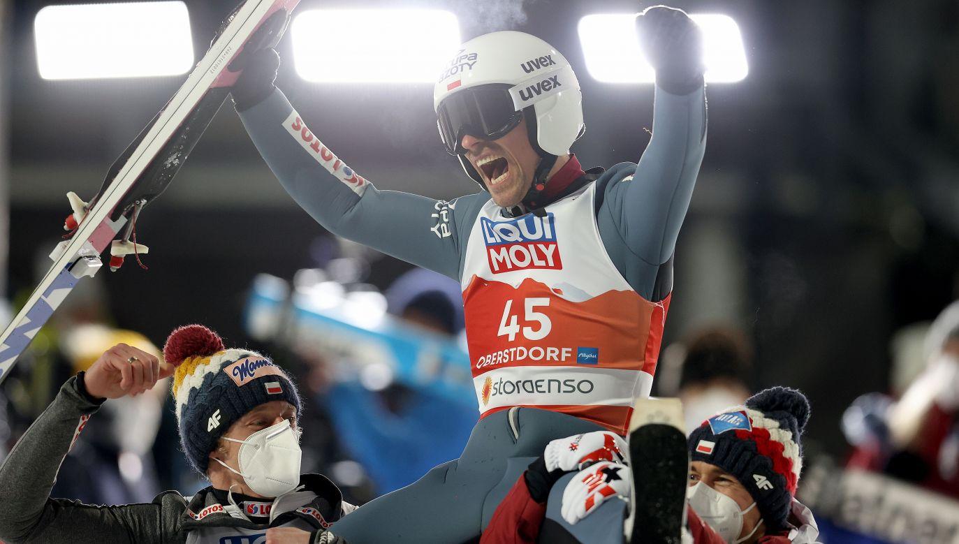 Piotr Żyła potwierdził, że potrafi skakać na najwyższym poziomie (fot. Alexander Hassenstein/Getty Images)