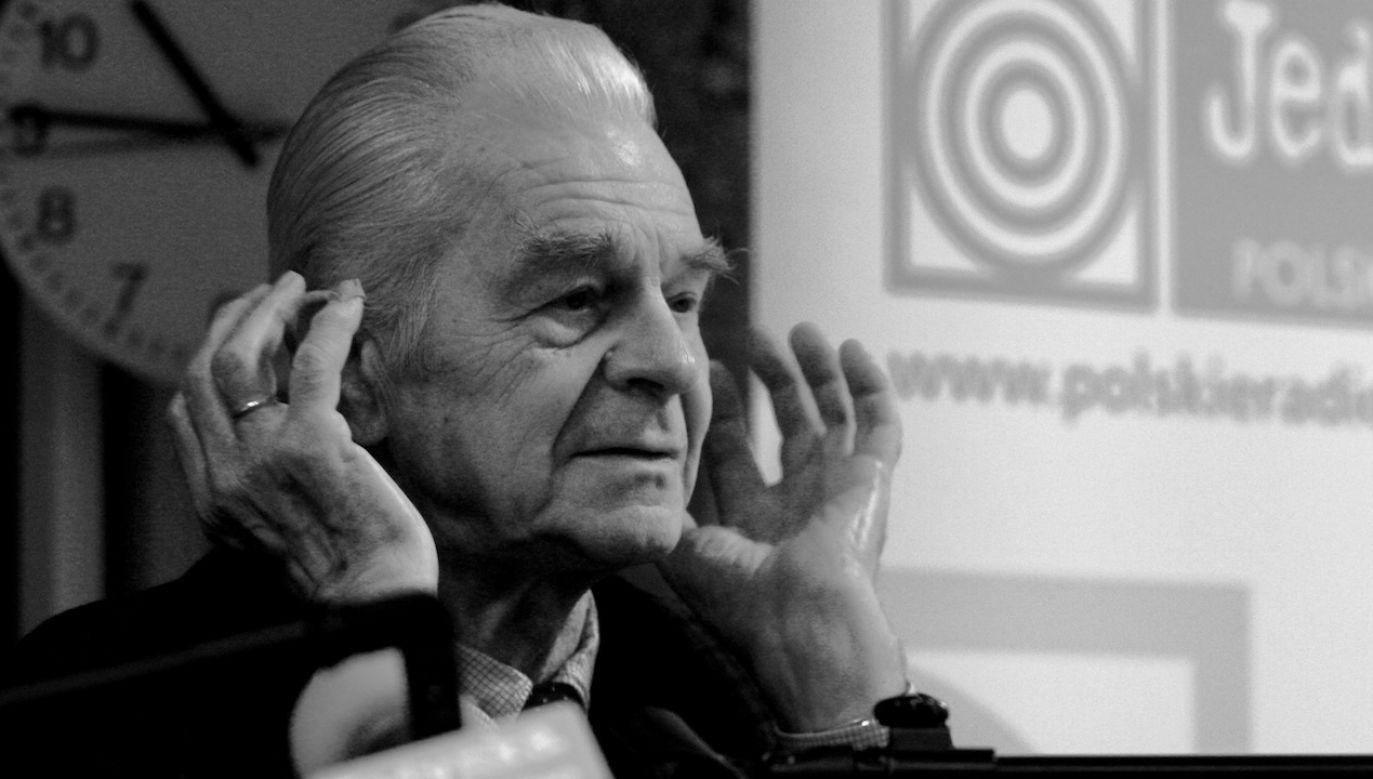 Lesław Skinder w 2009 roku otrzymał Honorowy Złoty Mikrofon (fot. arch.PAP/Bartłomiej Zborowski)