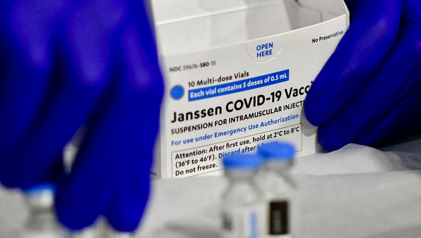 Opóźnienie wprowadzenia na unijny rynek szczepionki Johnson&Johnson (fot. P.Hennessy/SOPA/LightRocket/Getty Images)