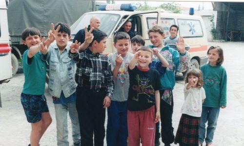 W obozie stale przebywało około 2000 uchodźców. A w sumie pod stałą opieką misji znajdowało się w okolicy  kilkanaście tysięcy ludzi, w większości kobiet i dzieci, a często osób niepełnosprawnych.  Fot. zbiór prywatny Krzysztofa Grucy