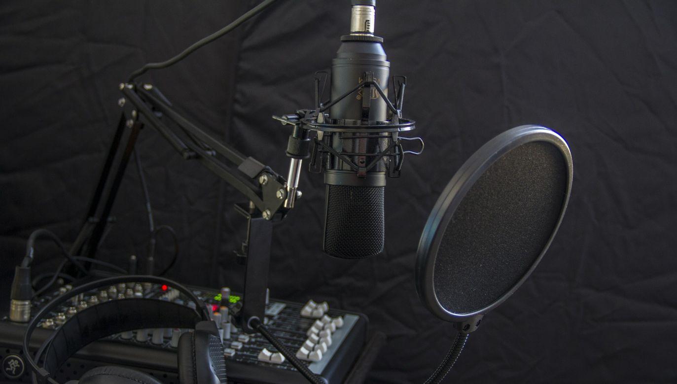 """""""Rynek muzyczny siedzi w kieszeniach wielkich firm fonograficznych"""" – czytamy we wpisie (fot. pixabay/466654)"""