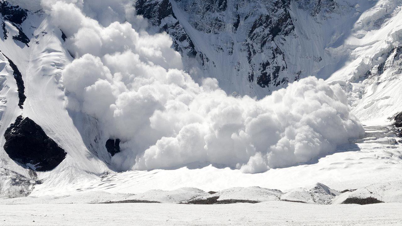W wyższych partiach gór występują znaczne ilości pokrywy śnieżnej i oblodzenia (fot. Shutterstock/ Kirill Skorobogatko, zdjęcie ilustracyjne)