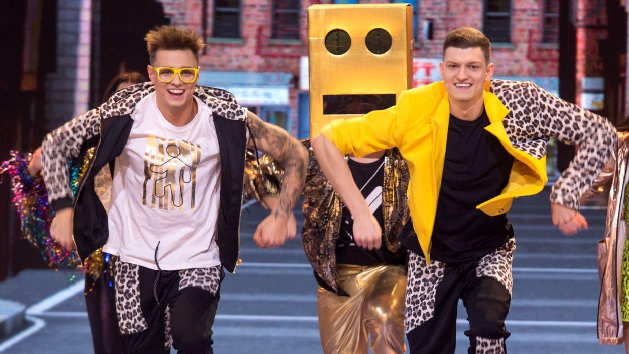 """""""Party Rock Anthem"""", pozorne ślizganie się po podłodze oraz bracia Rafał i Krzysiek Jonkiszowie. Co wyniknęło z takiego połączenia? (fot. TVP/ J. Bogacz)"""