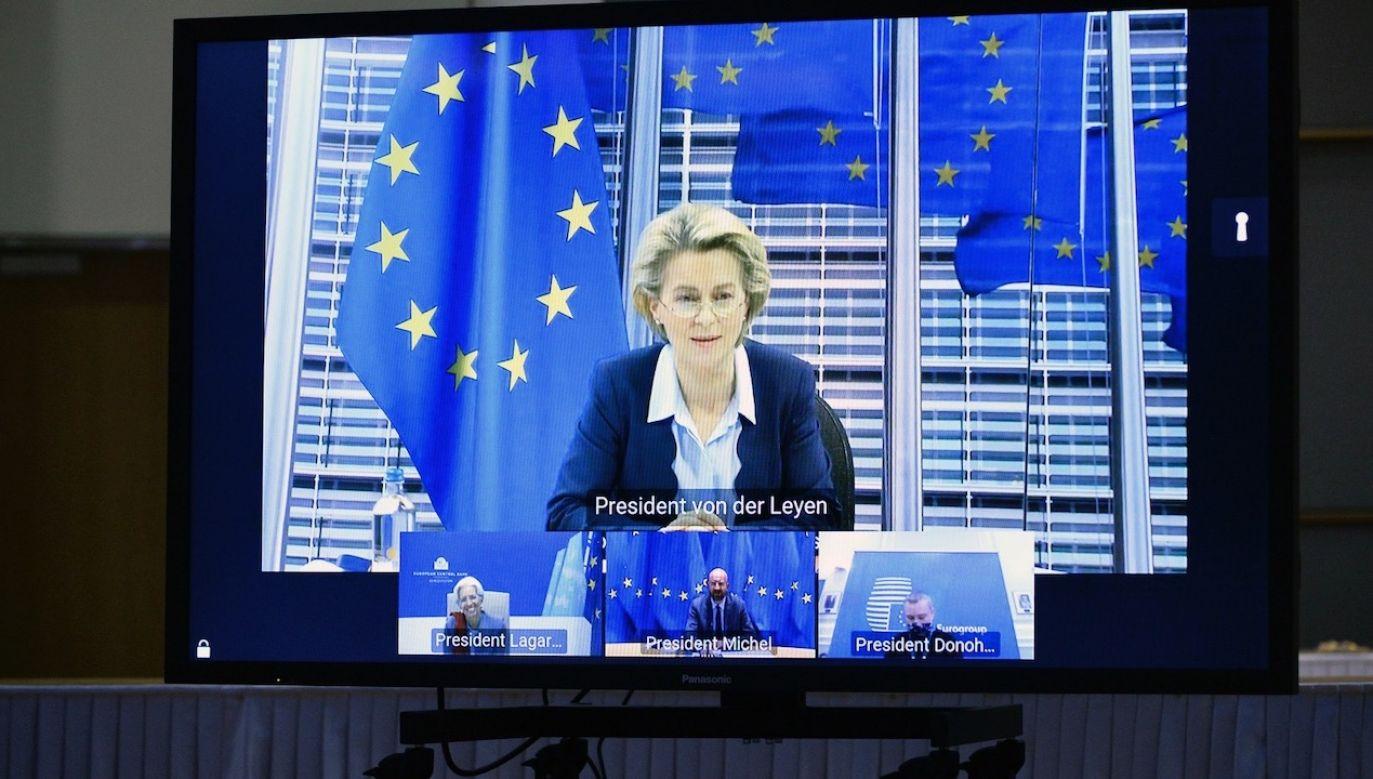 Szefowa KE zaproponowała, by przepisy zaskarżyć do TSUE (fot. PAP/EPA/JOHANNA GERON/POOL)