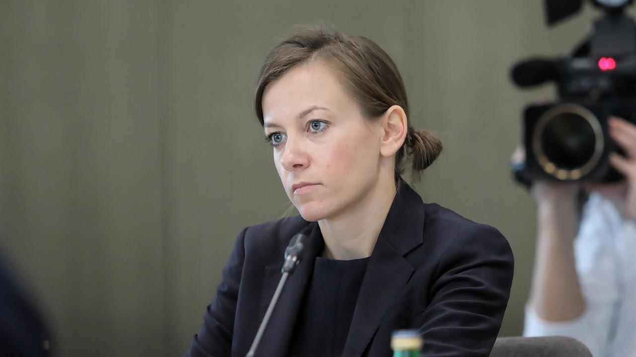 Zuzanna Rudzińska-Bluszcz opublikowana nagranie wideo, w którym tłumaczy swoją rezygnację (fot. PAP/Wojciech Olkuśnik)
