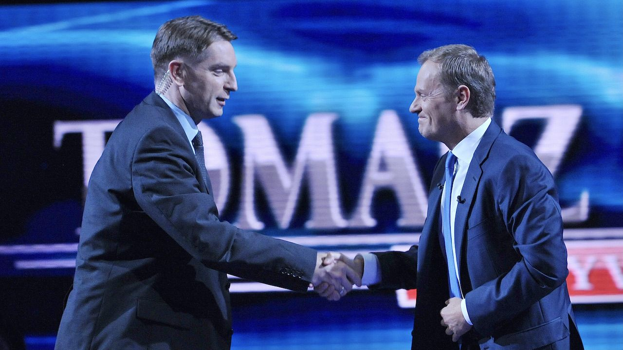 Tomasz Lis i Donald Tusk (fot. arch.TVP/PAP/Ireneusz Sobieszczuk)