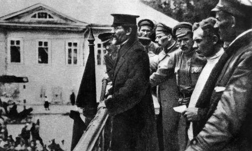 """""""Rewolucją Październikową"""" podróżował towarzysz Michaił Kalinin. Fot. TASS via Getty Images"""
