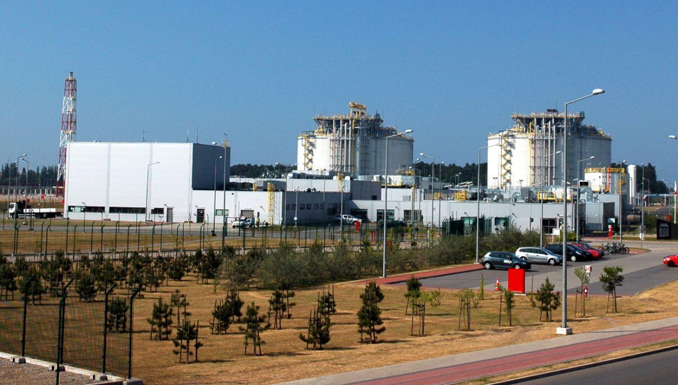 Rozbudowa gazoportu w Świnoujściu będzie dofinansowana przez UE  (fot. Wikimedia Commons/Radosław Drożdżewski)