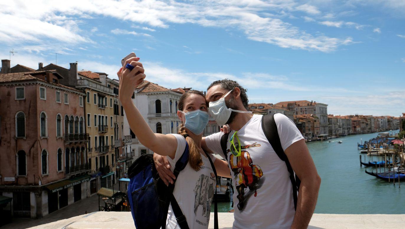 We Włoszech przywrócono ruch turystyczny (fot. Reuters/Manuel Silvestri)