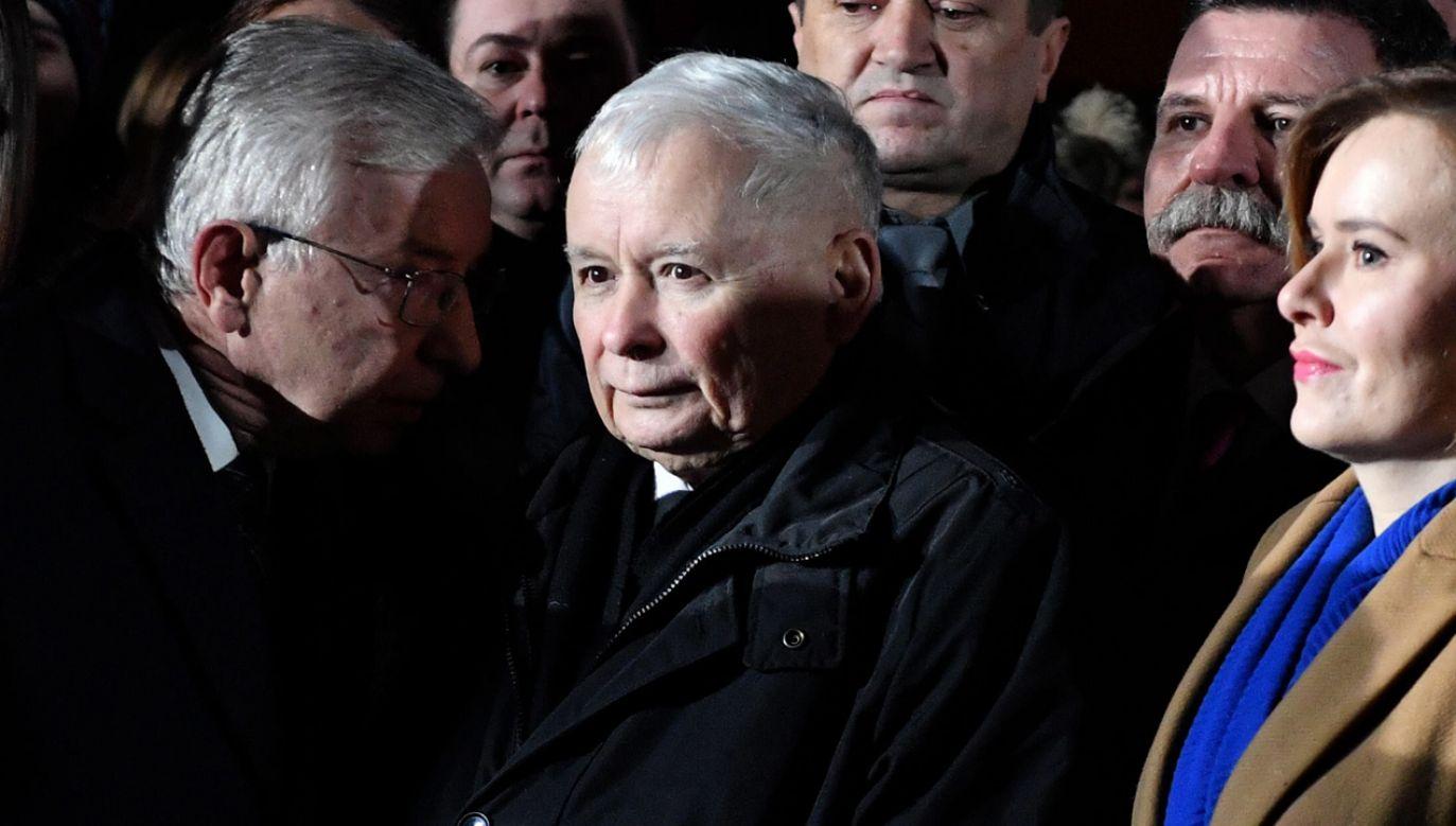 Prezes Prawa i Sprawiedliwości Jarosław Kaczyński w trakcie uroczystości w Starachowicach (fot. PAP/Piotr Polak)