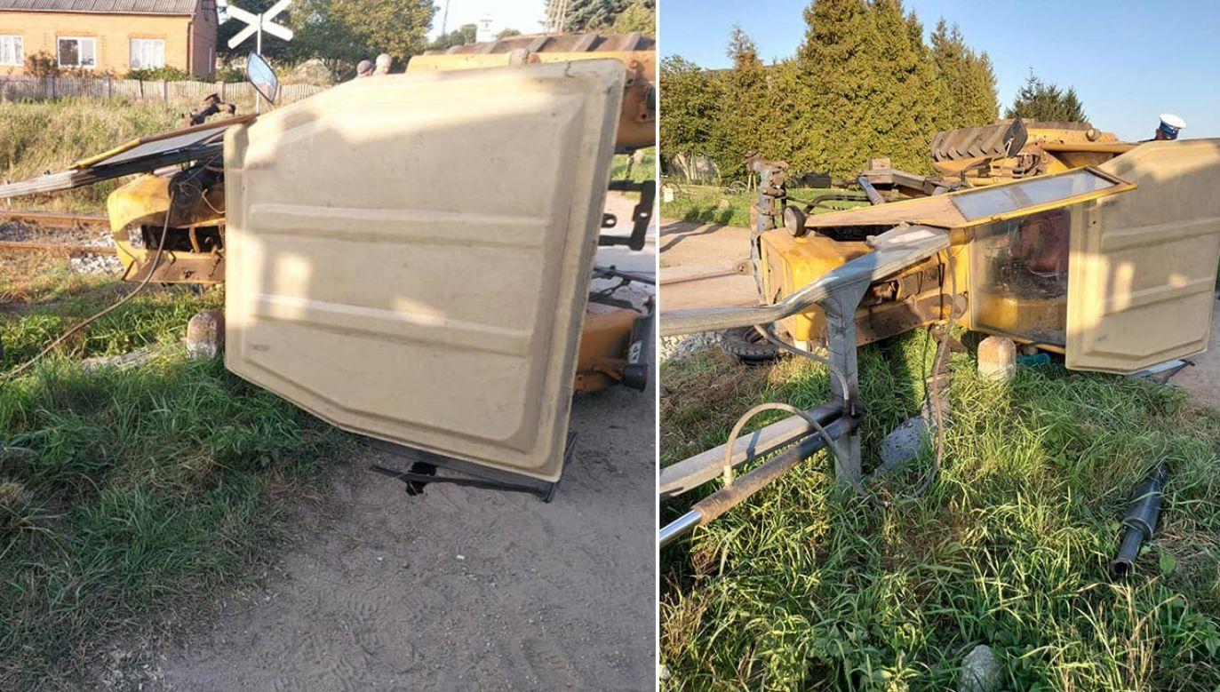 Ciągnik po zderzeniu przewrócił się na bok (fot. Facebook/OSP Zawidz)