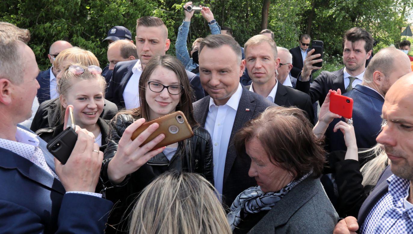 Prezydent RP Andrzej Duda na spotkaniu z mieszkańcami. (fot. PAP/Artur Reszko)