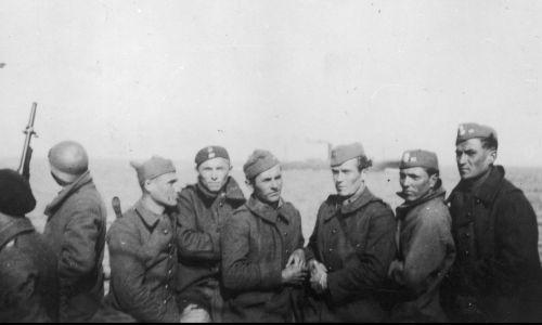 Polscy żołnierze ewakuujący się do Wielkiej Brytanii. Fot. Fot. Archiwum Fotograficzne Tadeusza Szumańskiego/NAC