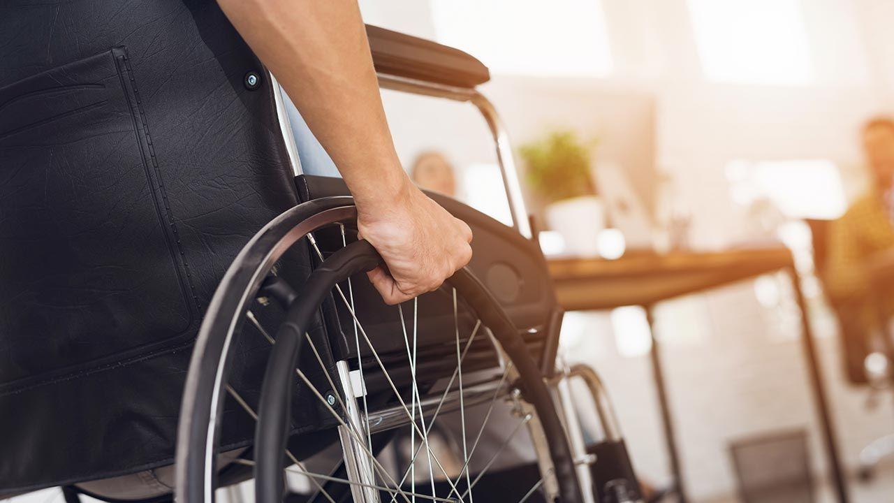 Do tej pory osoby niepełnosprawne mieszkające w Warszawie mogły ubiegać się o refinansowanie turnusów rehabilitacyjnych (fot. Shutterstock/VGstockstudio)