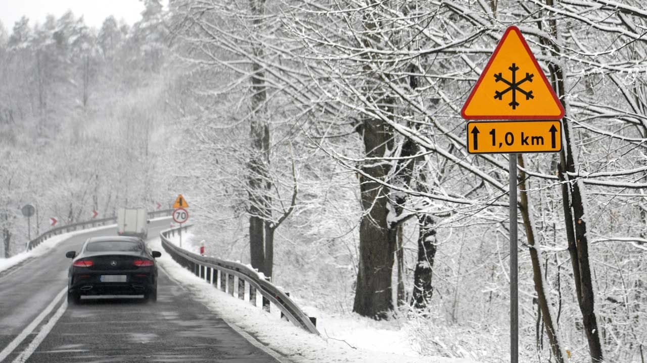 Opady śniegu – prognoza pogody, środa 14 kwietnia (fot. PAP/DAREK DELMANOWICZ)