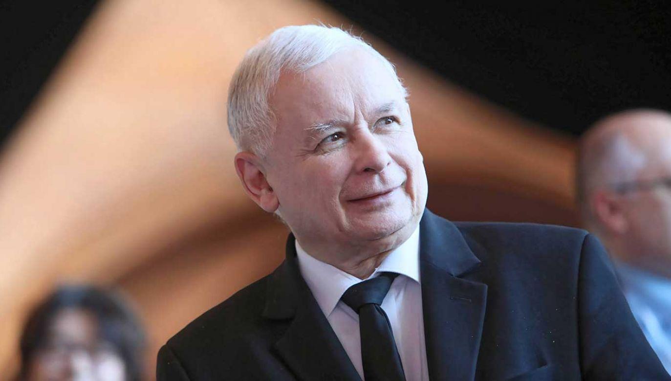 """""""13"""" prezesa PiS zasiliła także konto stowarzyszenia, które zajmuje się osobami z autyzmem (fot. PAP/Leszek Szymański)"""