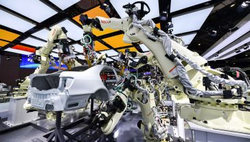 Wśród obszarów potencjalnej współpracy premier wymienił energetykę, elektromobilność i nowe technologie (fot. VCG/VCG via Getty Images, zdjęcie ilustracyjne)