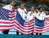 Złota sztafeta USA na 4x200 metrów stylem dowolnym, z Michaelem Phelpsem w składzie (fot. Getty Images)