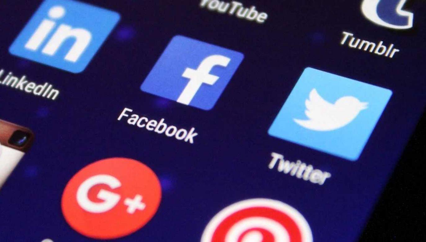 Facebook i Twitter ocenzurowały prezydenta USA (fot. Pexels)