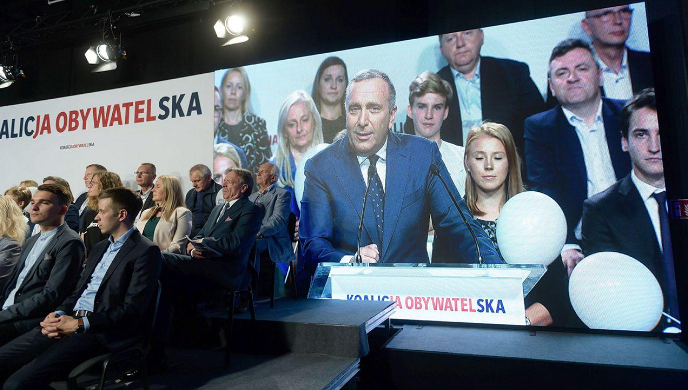 #BezsilniRazem – ten hasztag najlepiej opisuje dziś liberalną opozycję (fot. PAP/Jakub Kaczmarczyk)