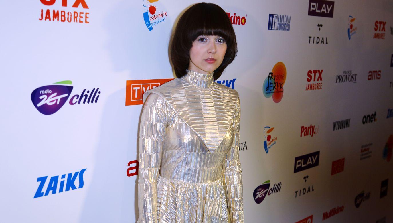 Artystka nieustannie koncertuje a jej występy są niezywkle żywiołowe i kolorowe (fot. TVP)