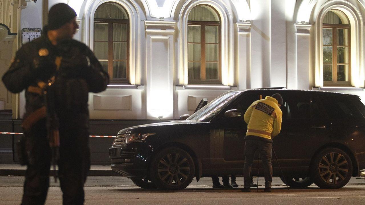 Portal Ukraińska Prawda twierdzi, że użyto broni automatycznej (fot. P.Gonchar/SOPA/LightRocket/Getty Images, zdjecie ilustracyjne)