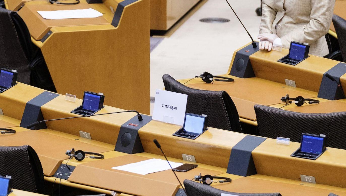 Europoseł Patryk Jaki wskazywał na błędy w raporcie (fot. Thierry Monasse/Getty Images)
