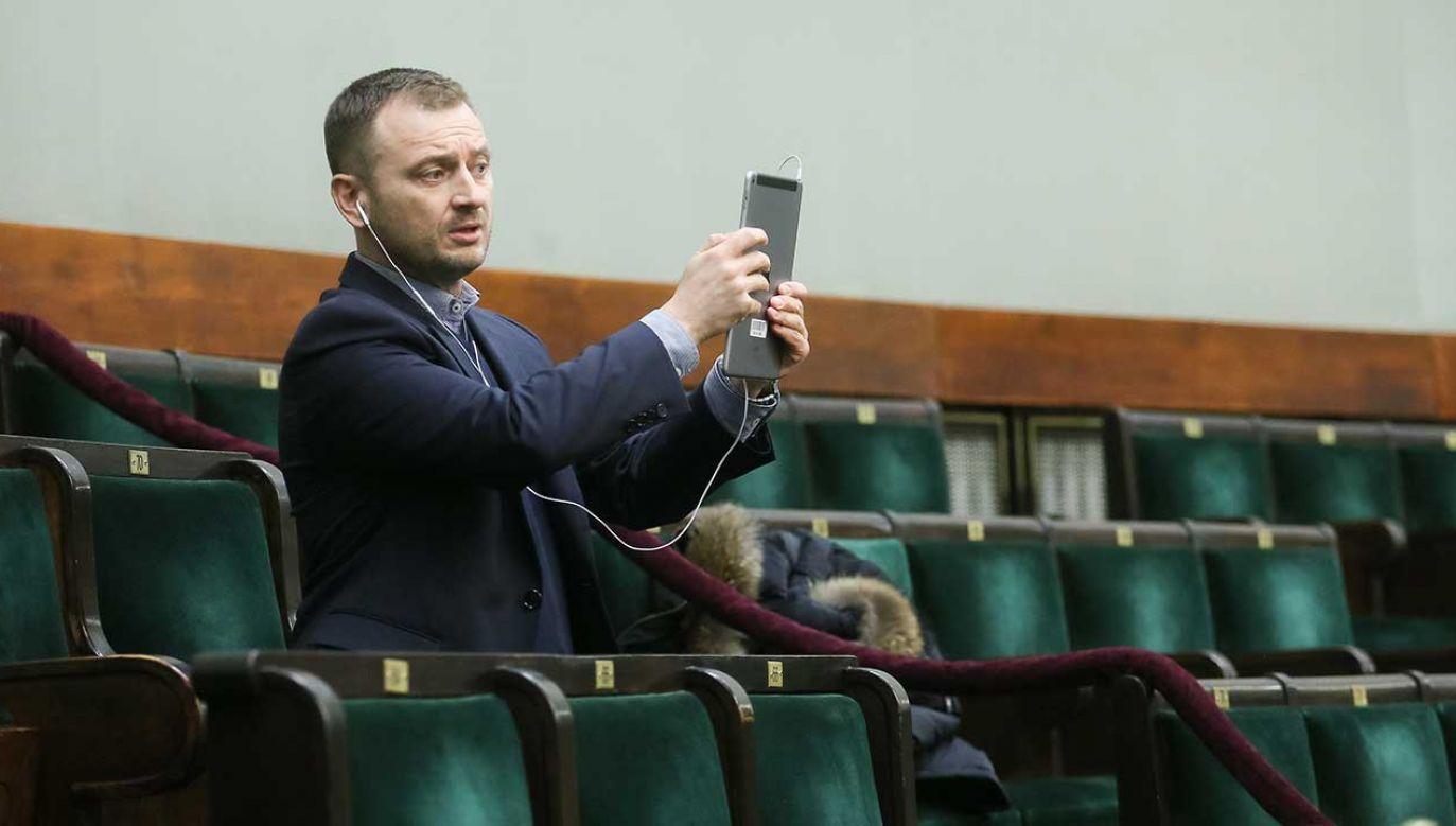 """""""To jest profil, który oczywiście jest zaangażowany po stronie opozycji"""" – przyznał poseł Nitras  (fot. arch. PAP/Paweł Supernak)"""