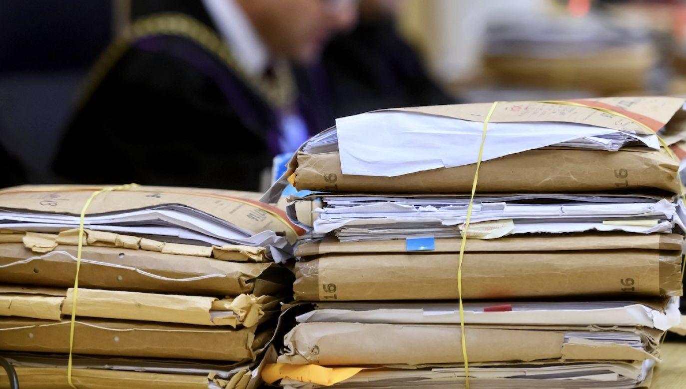 Zdaniem rzecznika sędziowie naruszyli ustawę (fot. arch.PAP/Jakub Kaczmarczyk, zdjęcie ilustracyjne)