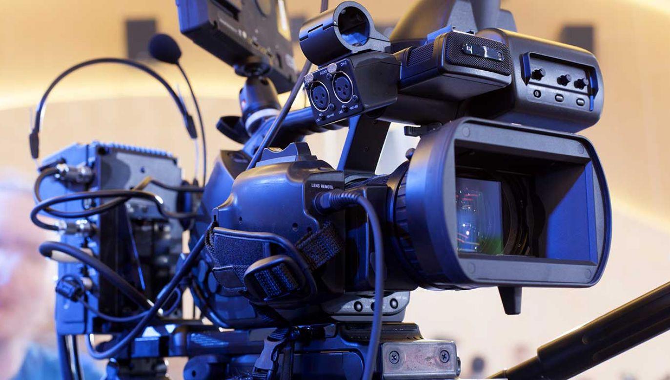 """Sasin ocenił, że media są """"ważną, czwartą władzą"""" (fot. Shutterstock/Maxim Tarasyugin)"""