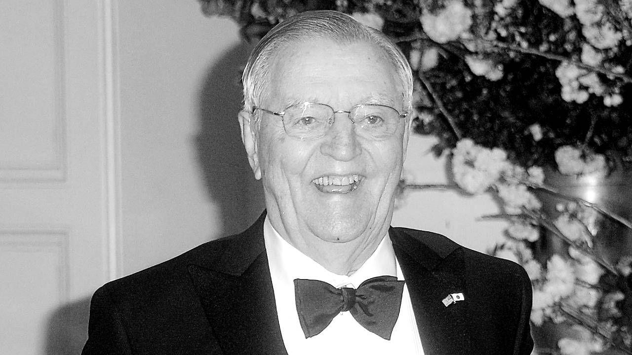 Walter Mondale miał 93 lata (fot. PAP/EPA/Olivier Douliery / POOL)