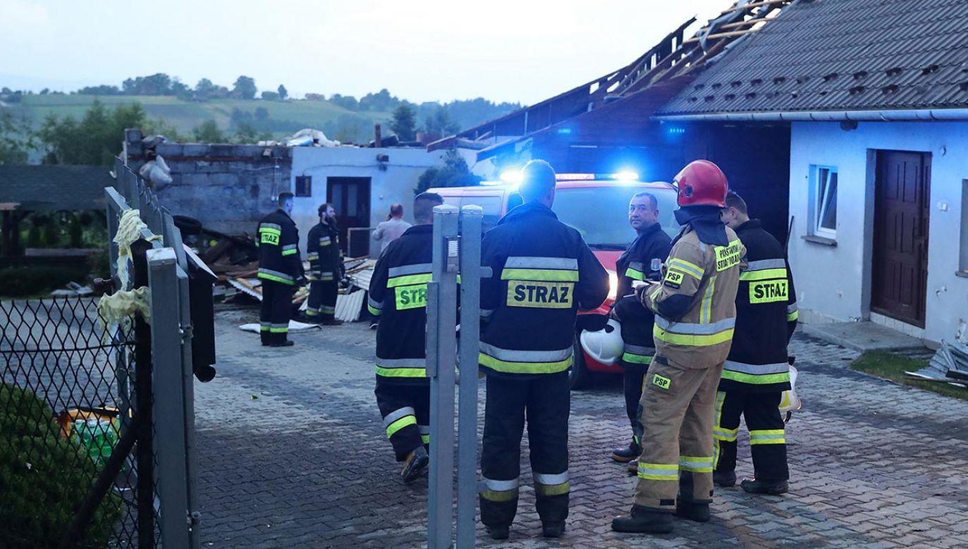 Wiele osób zostało bez dachu nad głową (fot. PAP/Grzegorz Momot)